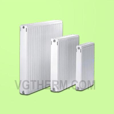 Панелен радиатор COMRAD
